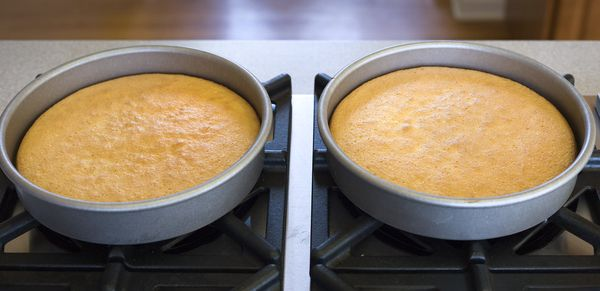 Cakes_cooling